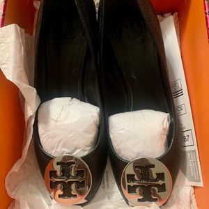 Tory Burch Sally Wedges (Black Pebbled Leather)